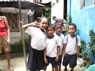 ホストの家の近くの小学生